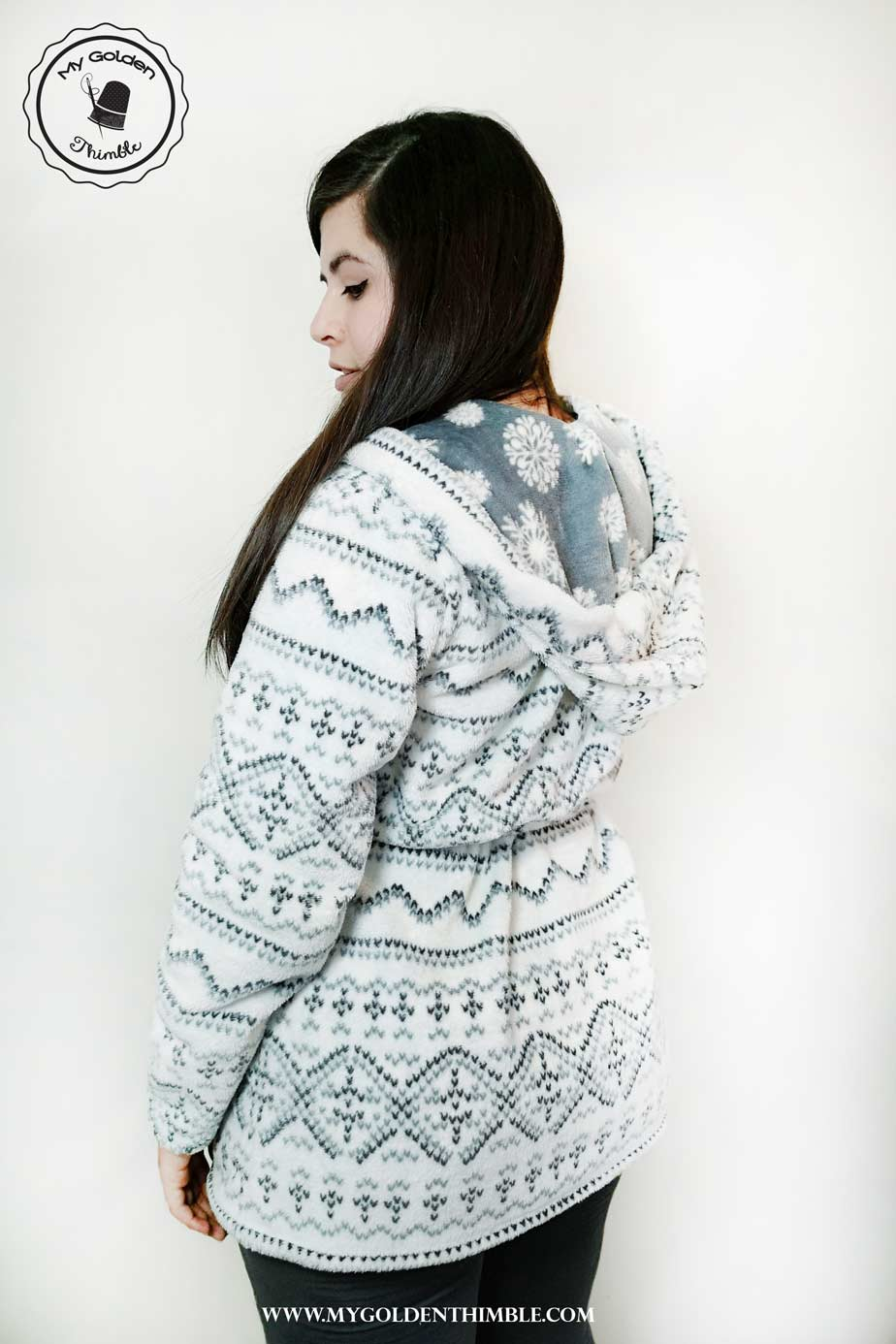 Make your own Cozy Hooded Robe Sewing Pattern. Free Pattern and ...